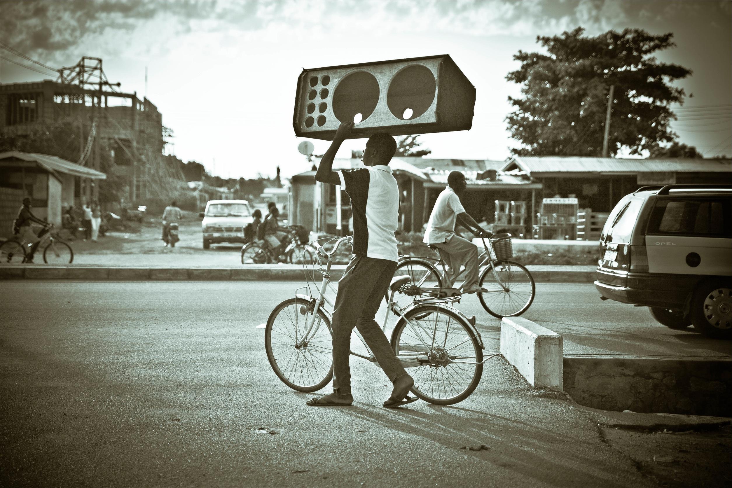 active speakers vs passive speakers